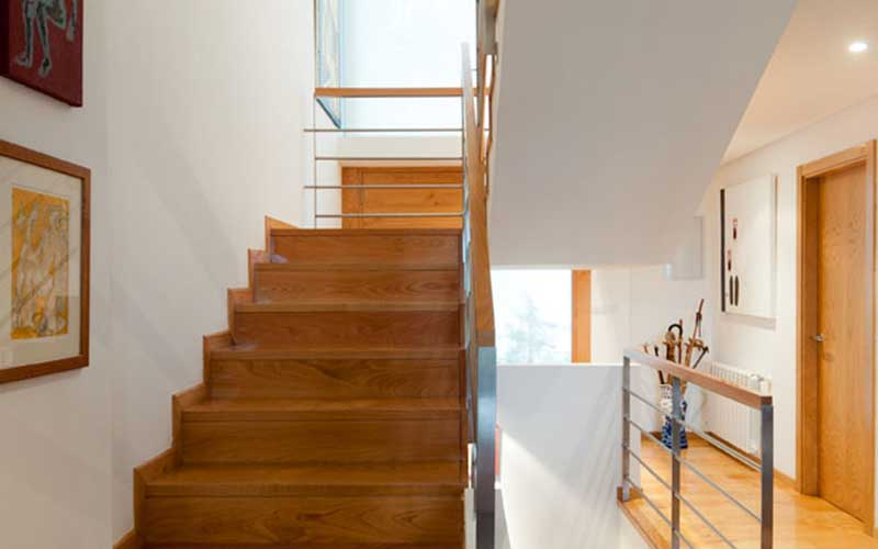 division-interior-escaleras