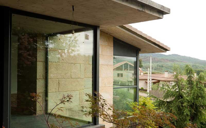 fachada-lateral-ventanas
