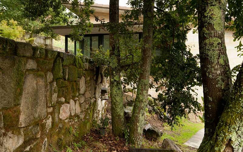 muro-piedras-fachada